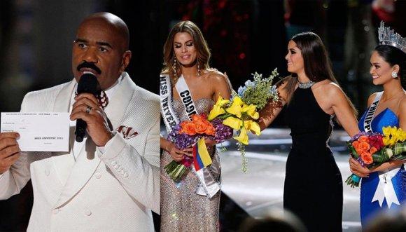 """Presentador que le """"quitó"""" la corona a Colombia se las da de chistoso"""