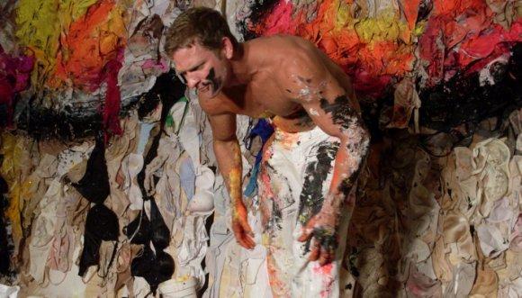 """Este hombre hace obras de arte con su """"herramienta"""""""