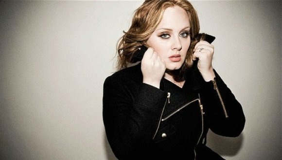 Adele habría plagiado una canción de Shakira
