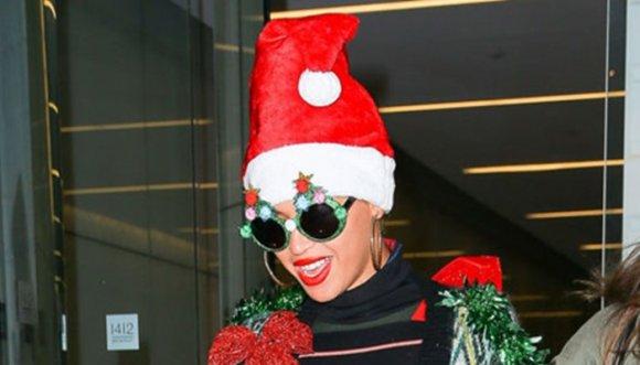 ¡Horrorosa pinta navideña de Beyoncé!