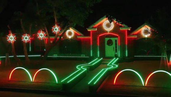 Épico adorno navideño se vuelve viral