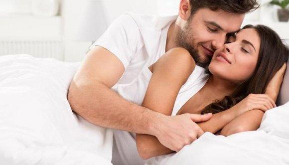 Palabras y ruidos que mejorarán tus relaciones íntimas