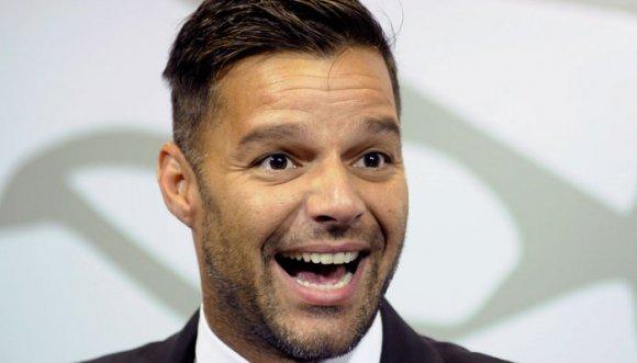 Ricky Martin presume su cuerpazo