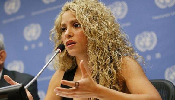 Shakira y sus pendientes con Antonio de la Rúa