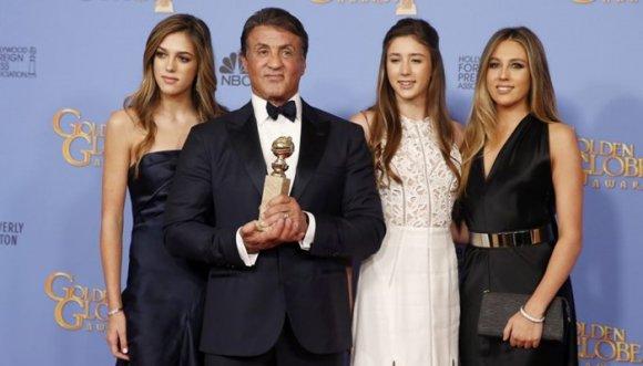 No era una, ¡eran 3 la bellas hijas de Sylvester Stallone!