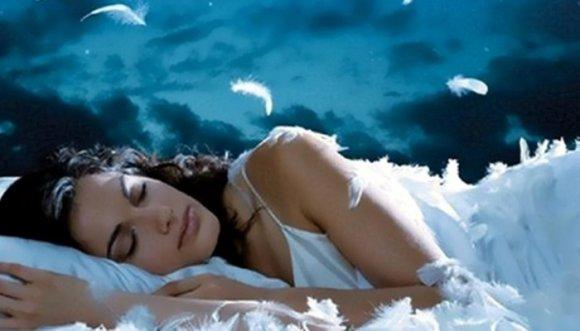 ¿Sabías que mientras duermes puedes controlar los sueños?