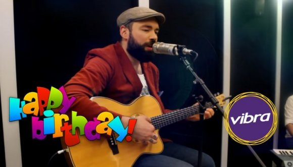 Feliz cumpleaños Santi Cruz