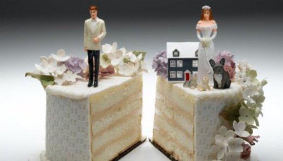 ¿Tristemente casada o felizmente divorciada?