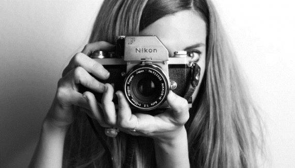 Fotógrafa ofrece servicio de fotos sensuales para fofos