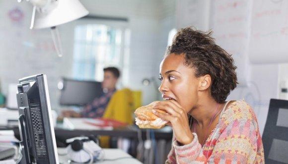 5 snacks para la oficina con menos de 200 calorías