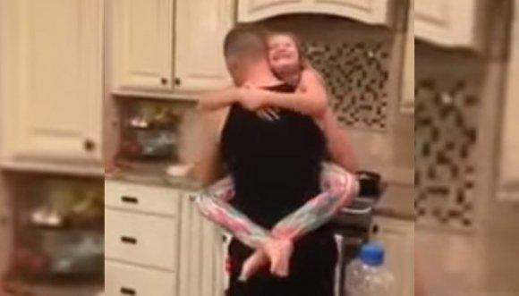 ¿Por qué crucificaron este video de padre e hija bailando?