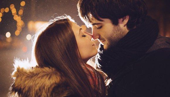 ¿Cómo saber si eres buena besando?
