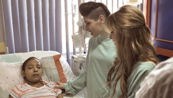 Ha*Ash canta a fan hospitalizada por leucemia (Video)