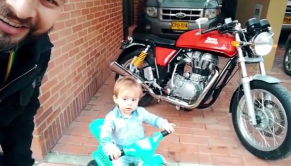 Súbete a mi moto con Los Testeadores