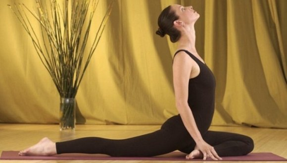 Adelgaza con estas 5 posturas de yoga