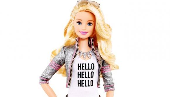 Barbie tiene vestido de novia y no imaginas quién es su diseñador