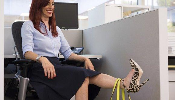Ejercítate mientras estás sentada en tu oficina