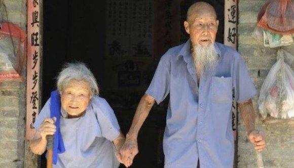La mejor celebración de cumpleaños de unos abuelos (Fotos)
