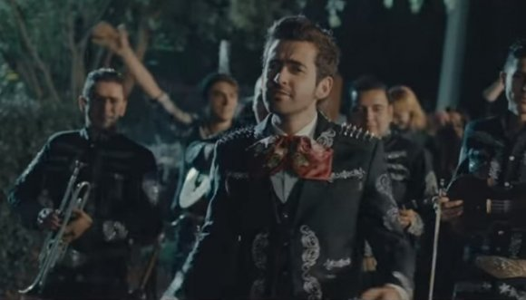 """Alejandro González estrena el video de """"El amor de su vida"""""""