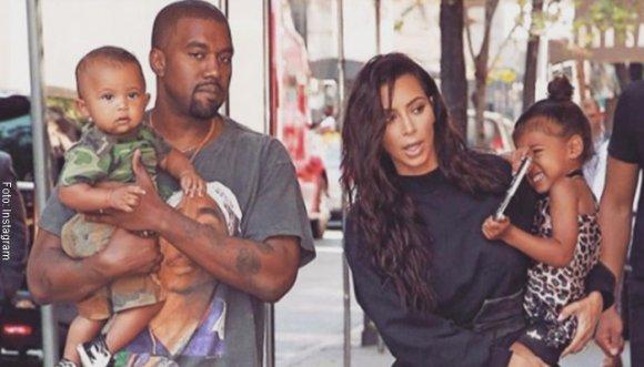 Esposo de Kim Kardashian crea botas imposibles para caminar