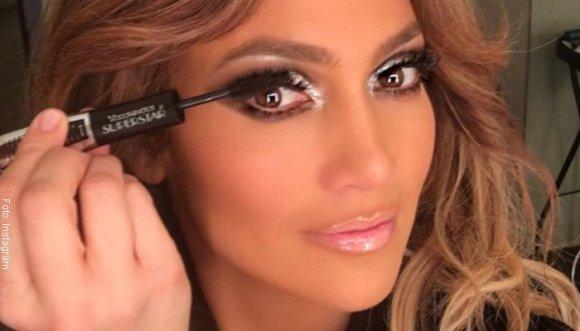 Jennifer Lopez se muestra sin maquillaje... ¿O no?