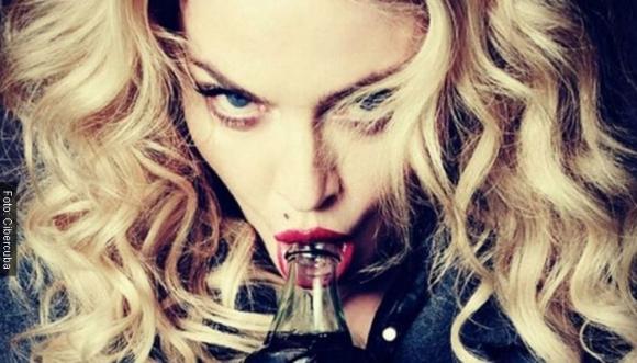 """Madonna ofrece """"darle placer"""" a los que voten por Hillary"""