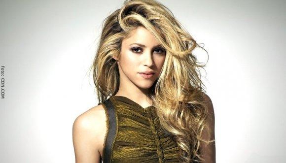 Vestido roto de Shakira causa sensación