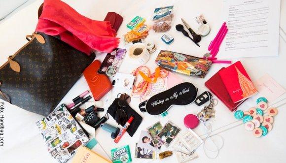 Lo que debería cargar toda mujer en la cartera