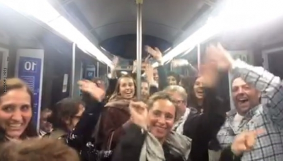 La bicicleta sonó en el metro de Madrid y todos enloquecieron (Video)