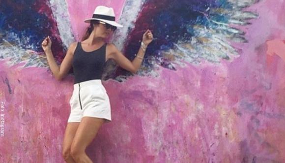 11 pintas divinas con sombrero de Juana Acosta