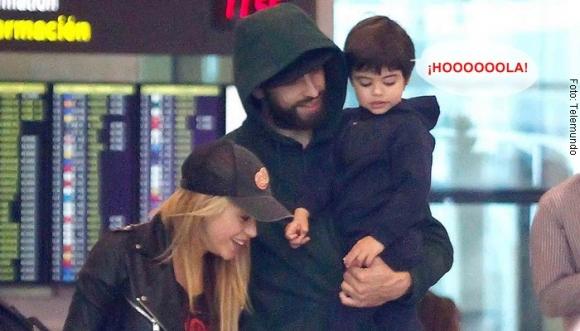 Shakira, Piqué y sus hijos saludan a la gente en Barranquilla