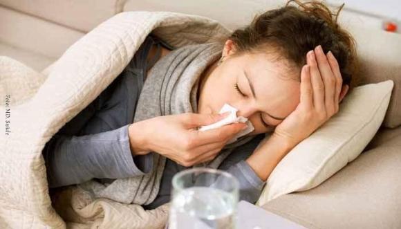 Estornudaste y no sabes si es rinitis o gripa, descúbrelo