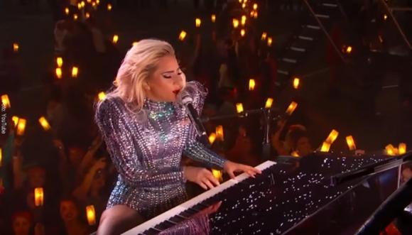 Lady Gaga mostró de más en el Super Bowl
