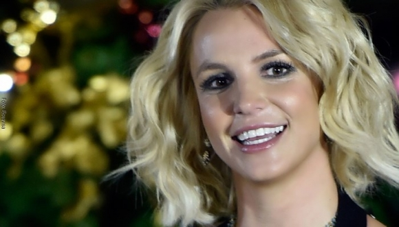 Él ha gastado una fortuna para parecerse a Britney Spears