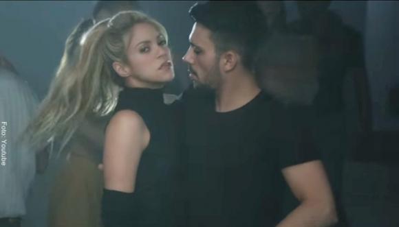 Shakira seduce a Prince Royce al ritmo de 'Deja vu'