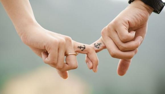 Señales evidentes de que la relación es oficial