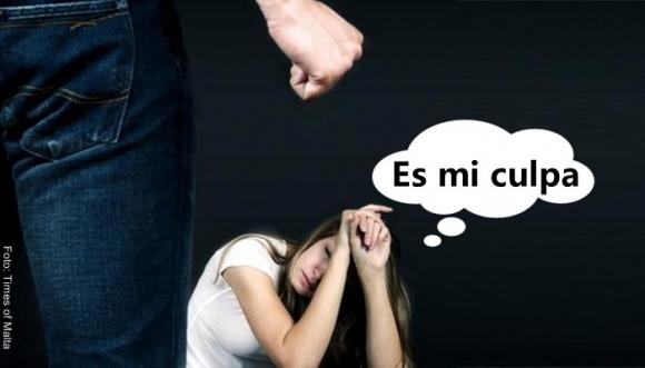 #VIDEO: Defendió al novio que le pegó, ¡no hay derecho!