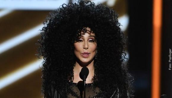 Cher y sus atrevidos looks a los 71 años
