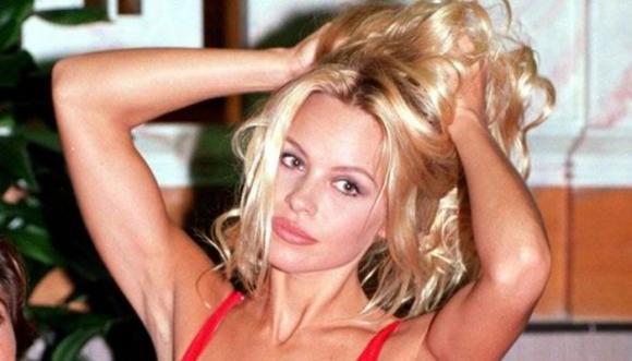 ¿Pamela Anderson de verdad está irreconocible?