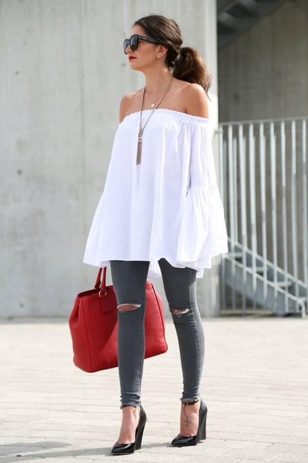 Foto de chica usando jeans con tacones