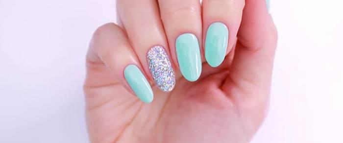 Foto de uñas azules