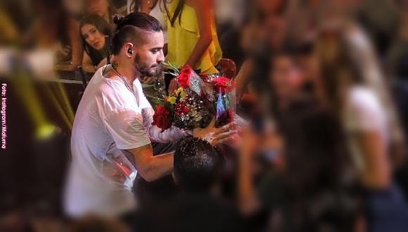 """Maluma hizo """"La Cobra"""" a una fan en México (Video)"""