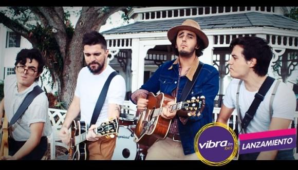 """Escucha """"Besos En Guerra"""" de Morat y Juanes"""
