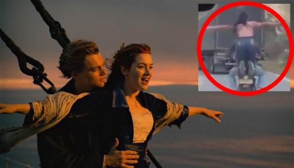 ¿Titanic en moto? ¡Lo que faltaba!