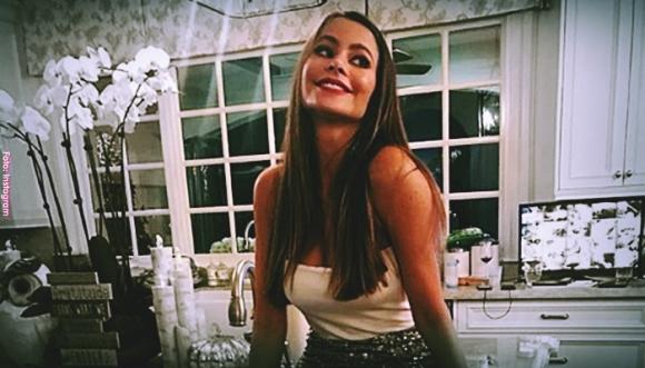 ¿A quién se parece Sofía Vergara en esta foto?