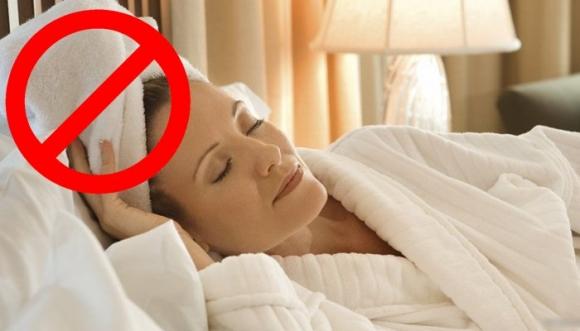 Nunca duermas con el pelo mojado por esto...