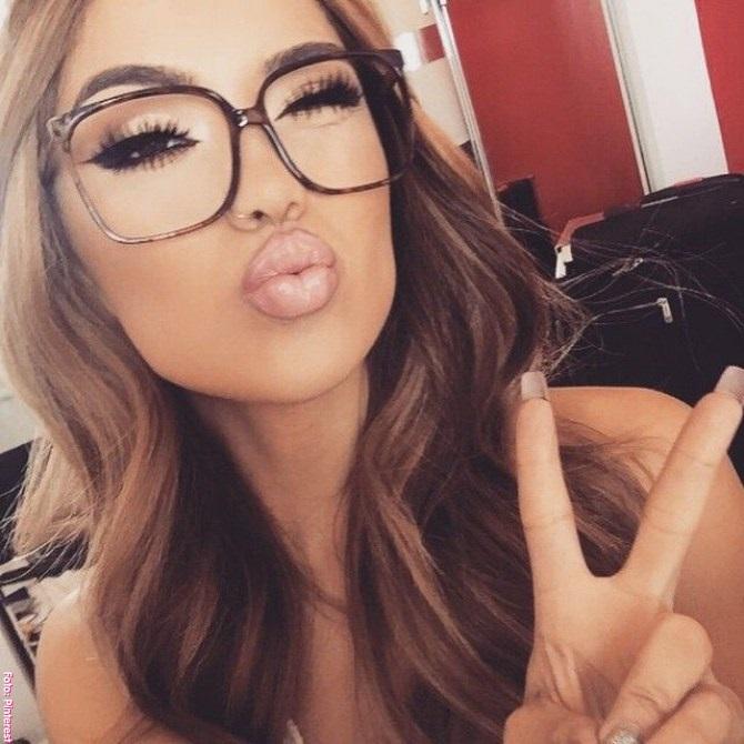 2e9743d23d Son uno de los mayores problemas del maquillaje con gafas. Muchas mujeres  creen que las sombras quedan escondidas tras las gafas, pero sin embargo,  ...