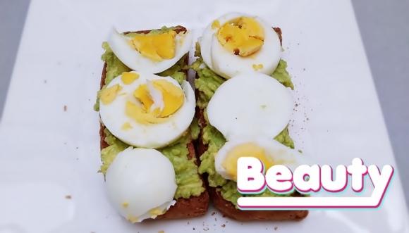 Beauty: Pan tostado con aguacate y huevo