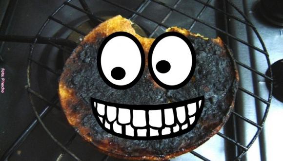Blanquea tus dientes con ¡arepa quemada! #TRUCO