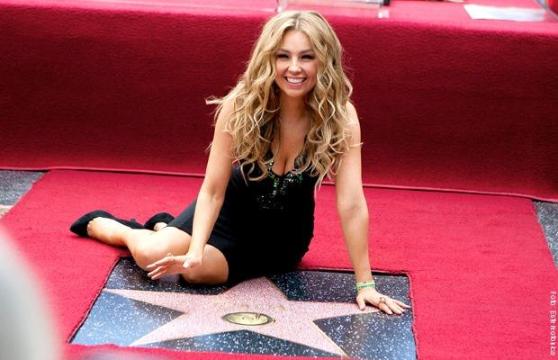 Thalia recibe la primera estrella en el paseo de la fama a una cantante mex